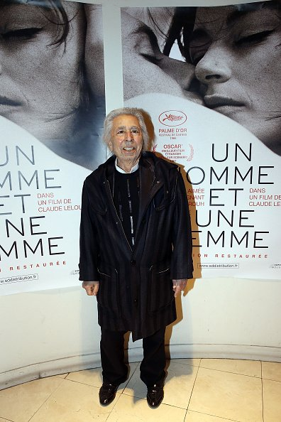 "Francis Lai assiste à la projection de ""Un Homme et Une Femme"" à l'Arlequin à Paris, France, pour son 50e anniversaire. 
