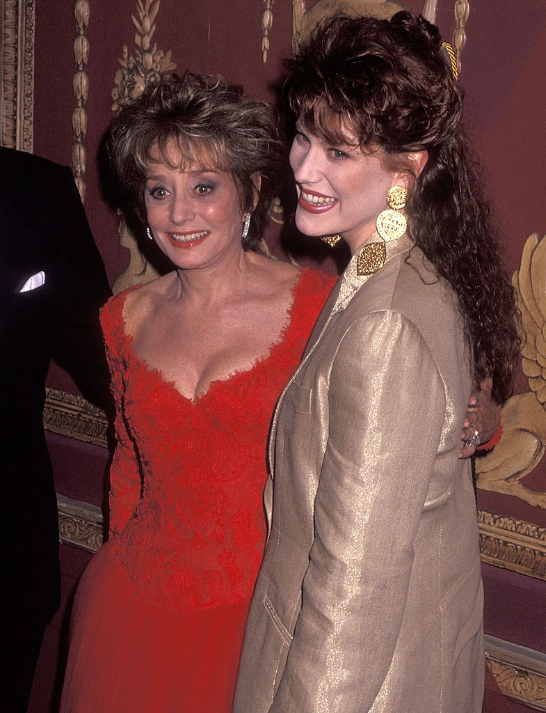 Barbara Walters and daughter Jacqueline Guber on March 19, 1992 in New York City | Photo: Getty Images