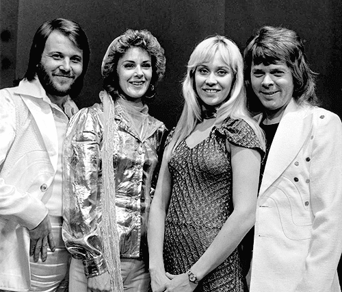 ABBA in AVRO's TopPop (Dutch television show) in 1974 | Photo: Wikimedia Commons