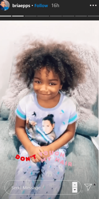 Mike Epps granddaughter Skylar flaunting her curly hair | Photo: Instagram/mikeepps