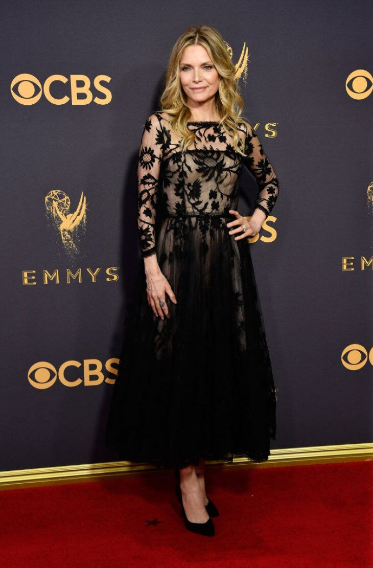 Michelle Pfeiffer attends the 69th Annual Primetime Emmy Awards at Microsoft Theater | Getty Images / Global Images Ukraine