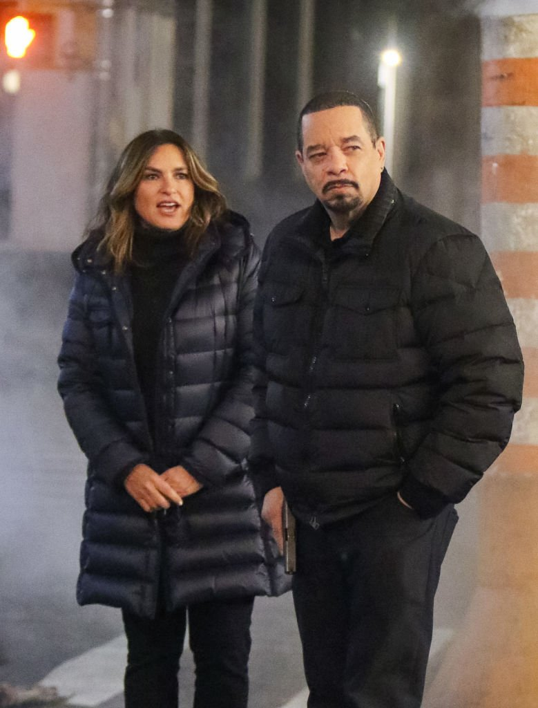 Mariska Hargitay and Ice T are seen on the film set of 'Law and Order: Special Victims Unit' on December 19, 2019 | Photo: Getty Images