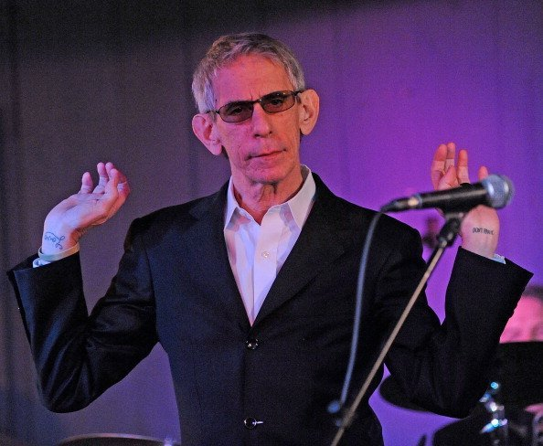Richard Belzer performs at The Stanhope House | Photo: Getty Images