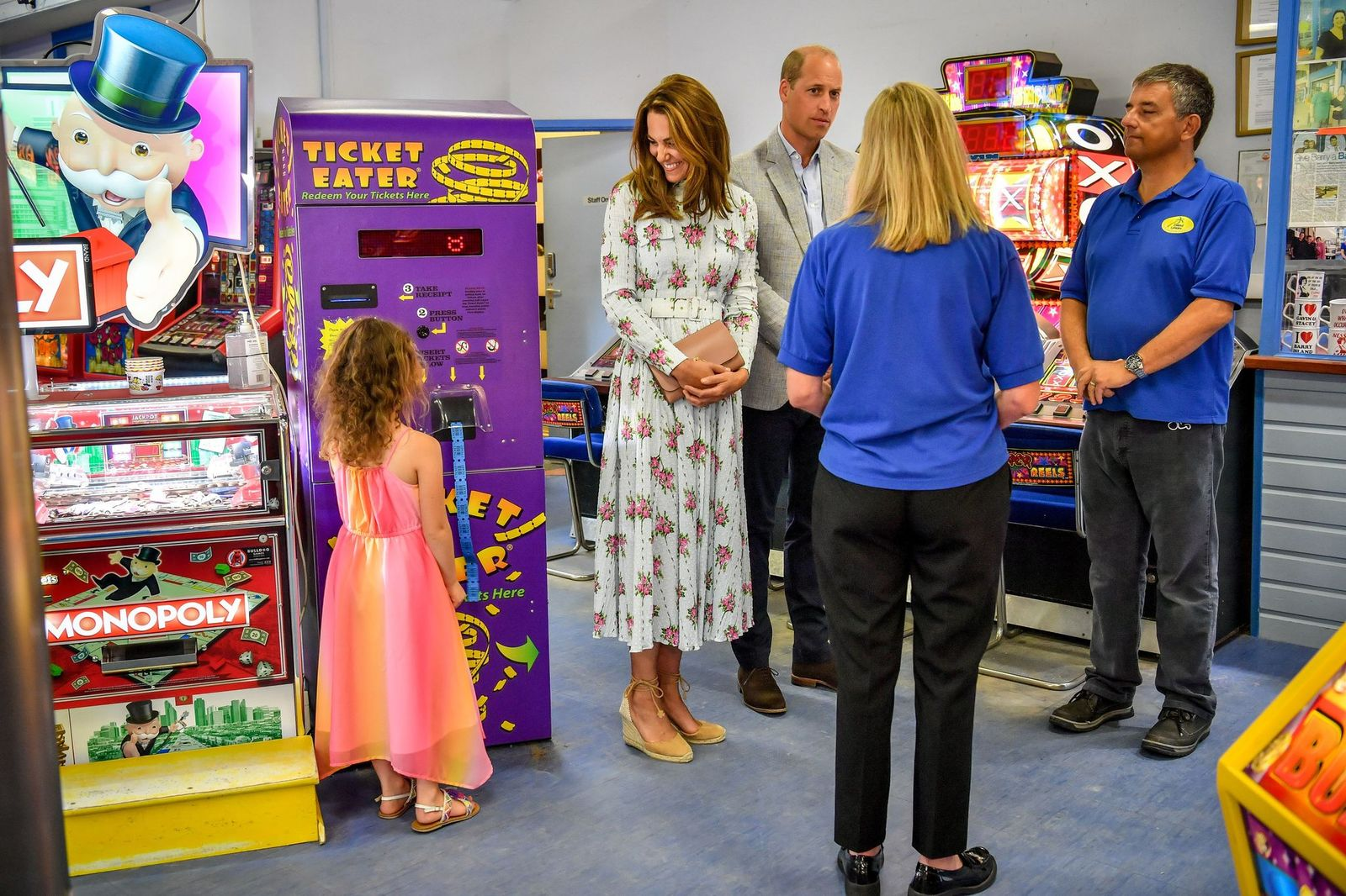 Duchess Kate and Prince Williamat Island Leisure Amusement Arcade during their visit to Barry Island, South Wales on August 5, 2020, in Barry, Wales | Photo:Ben Birchall - WPA Pool/Getty Images
