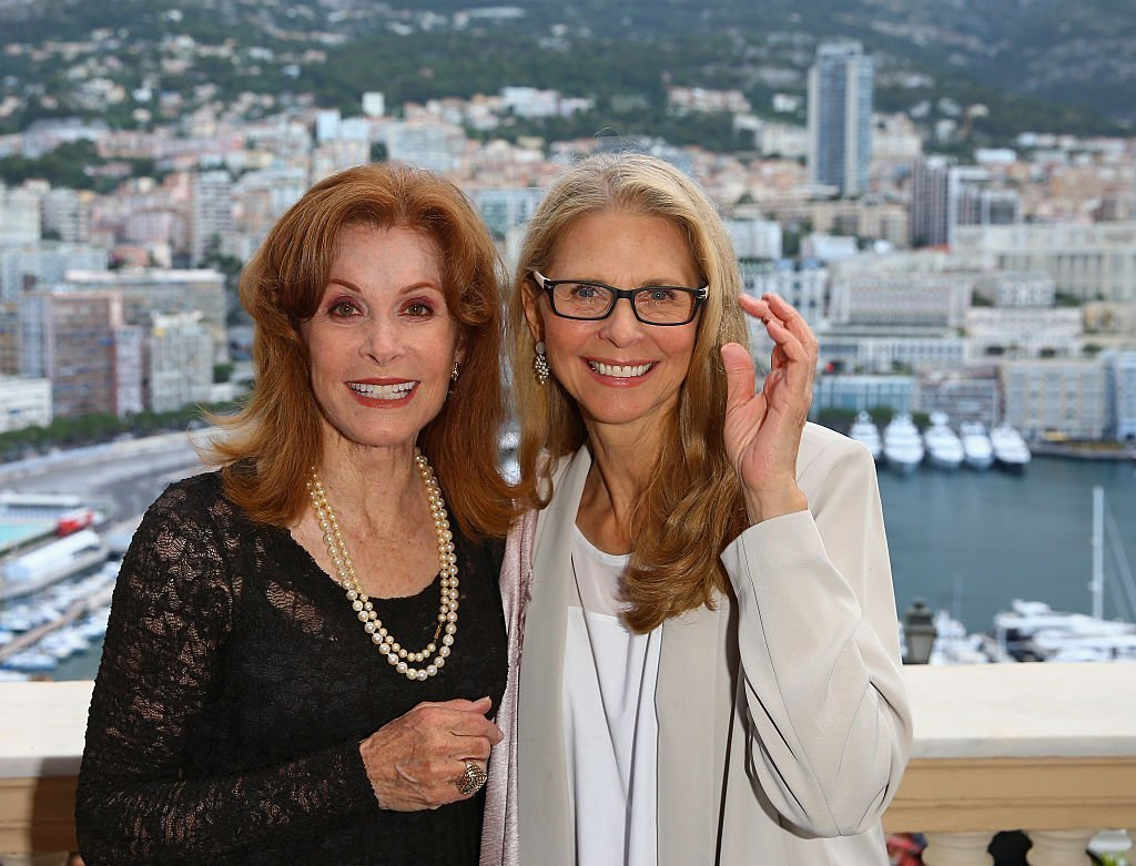 Stefanie Poewrs and Lindsay Wagner attend the 55th Monte Carlo TV Festival on June 15, 2015 | Photo: Getty Images