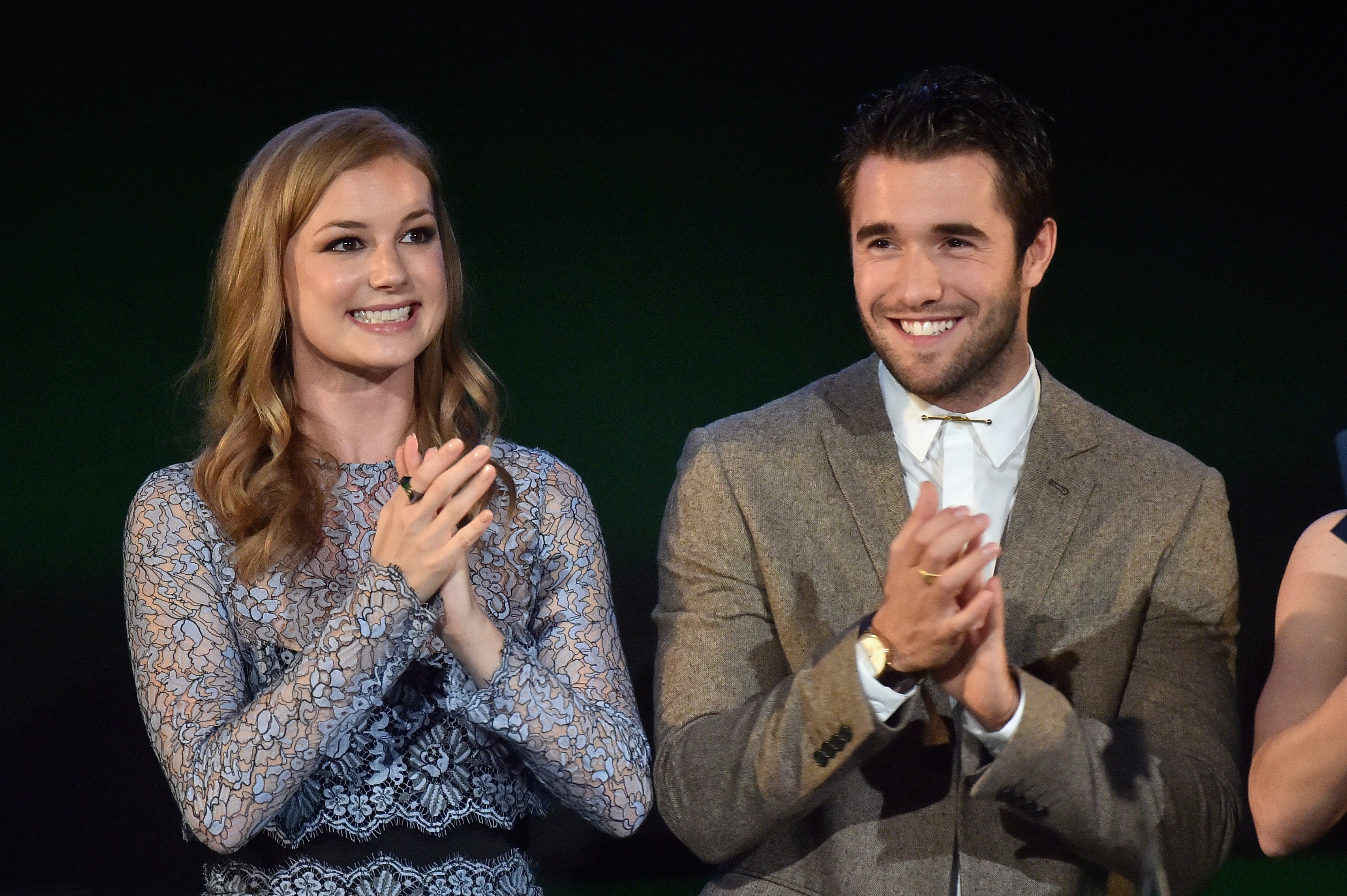 Emily VanCamp and her husband Joshua Bowman speak at the 24th Annual Environmental Media Awards at Warner Bros. Studio on October 18, 2014 in Burbank, California   Photo: Getty Images