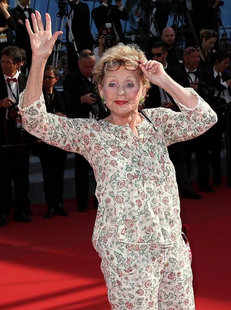 Annie Cordy saluant la foule / Photo : Getty Images