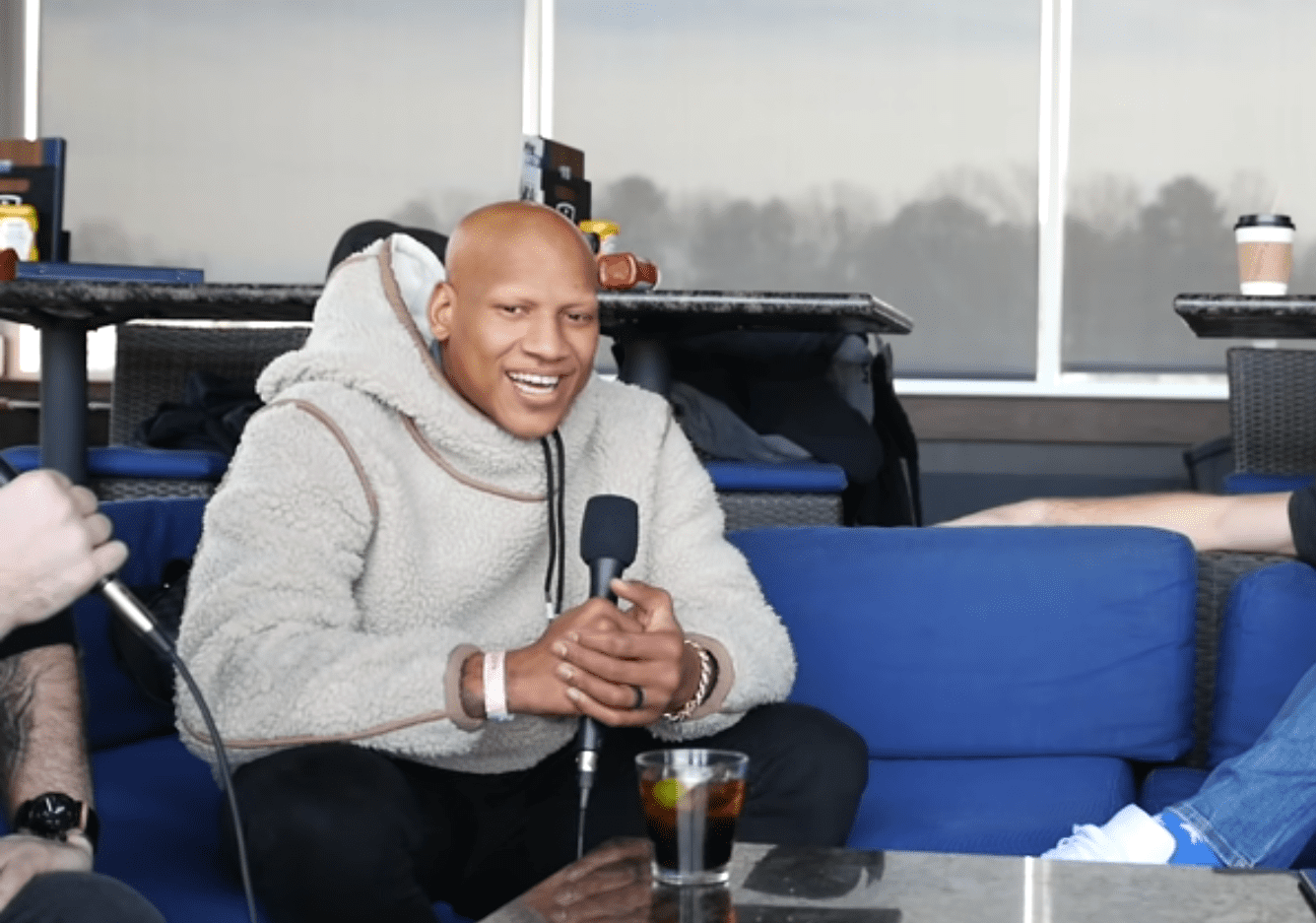 Ryan Shazier on an interview with Pat McAfee. | Photo: YouTube/ The Pat McAfee Show