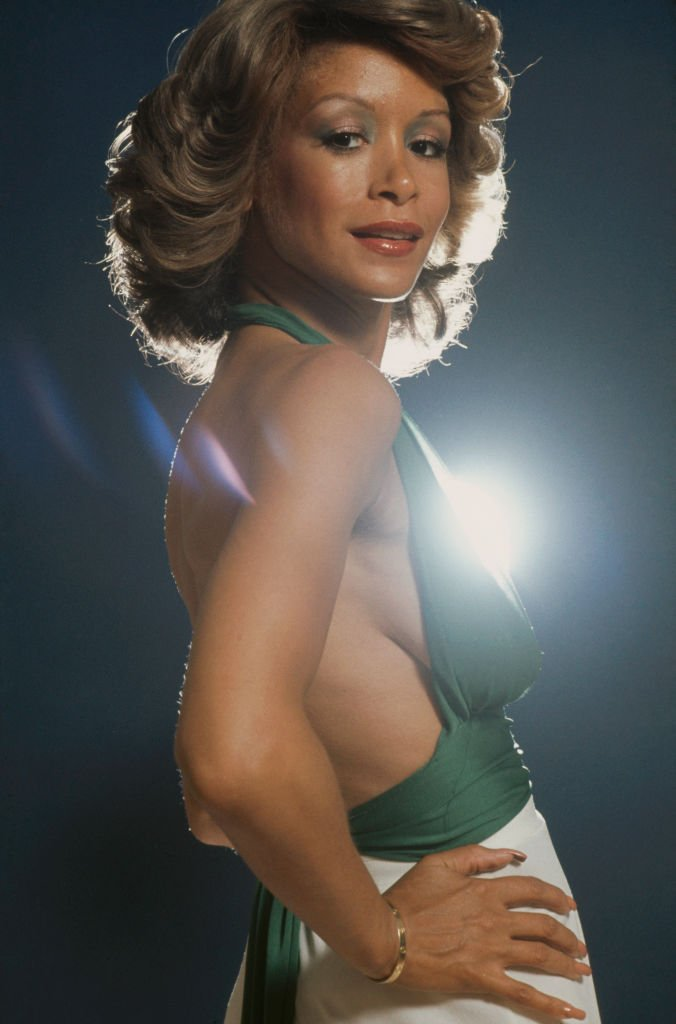 American singer and actress Freda Payne posing in London, July 28, 1975. | Photo: Getty Images