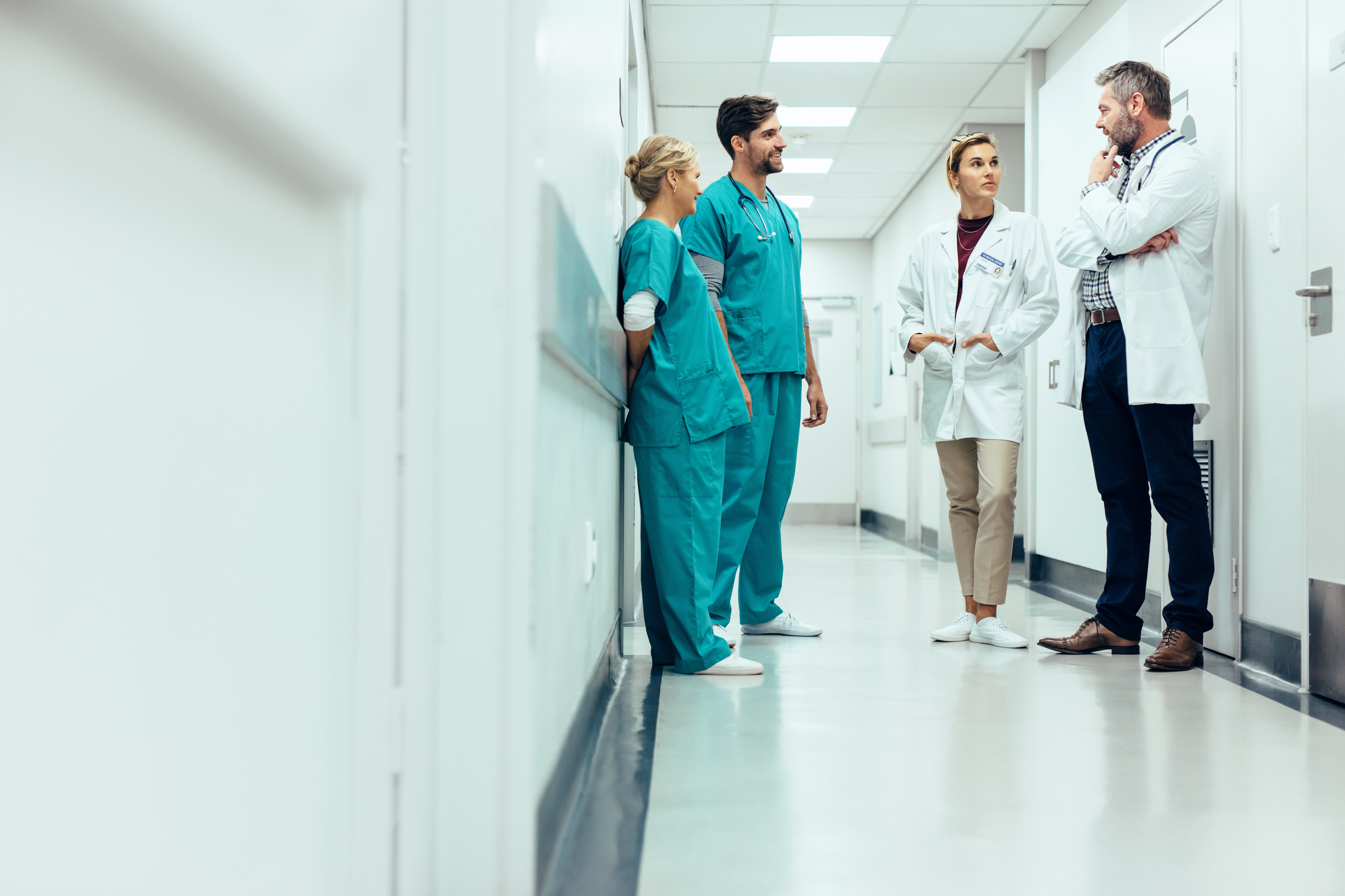 Doctors and nurses in a hospital | Photo: Shutterstock