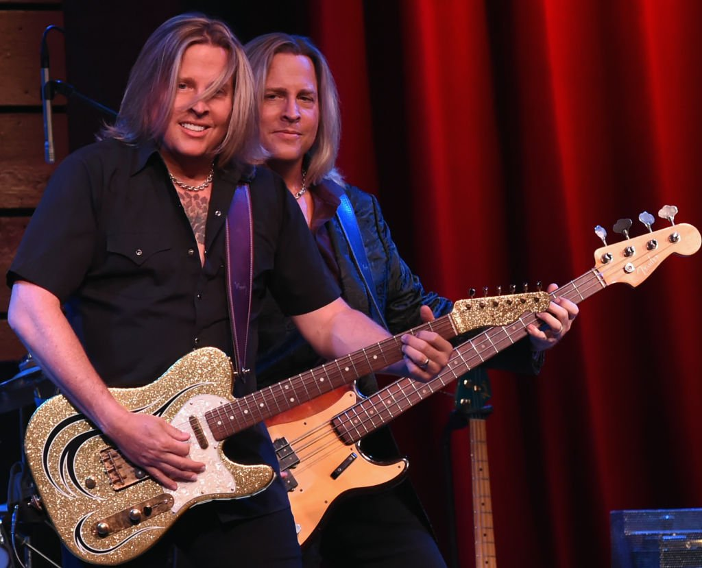 Matthew and Gunnar Nelson perform at their Ricky Nelson Remembered tour in Nashvile in July 2017 | Photo: Getty Images
