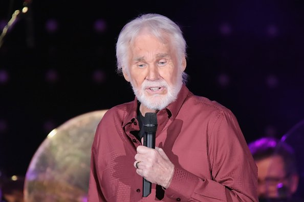 Kenny Rogers performs in concert at Golden Nugget Casino on December 9, 2017 | Photo: Getty Images