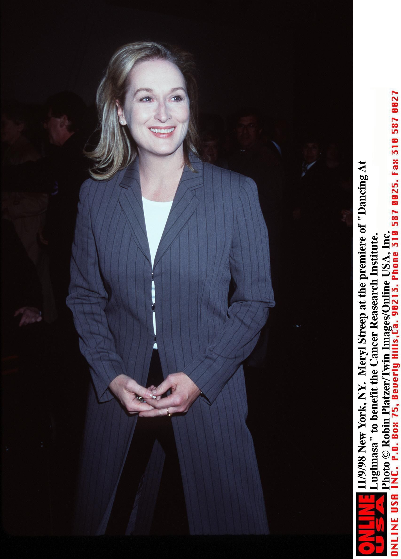 """Meryl Streep attends the """"Dancing At Lughnasa"""" premiere. 