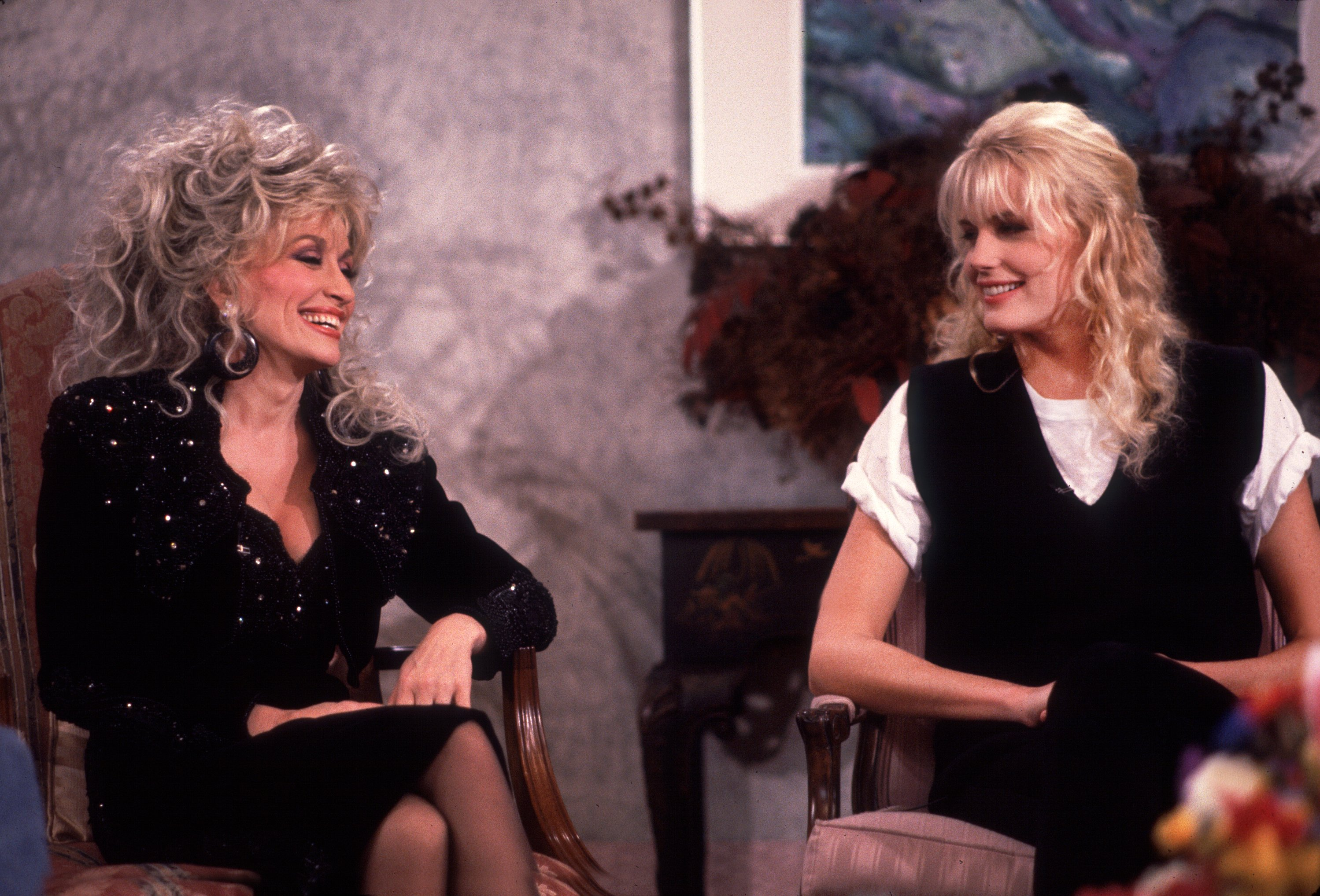Dolly and Darryl Hannah on The Oprah Winfrey Show onNovember 3, 1989.   Photo: Getty Images