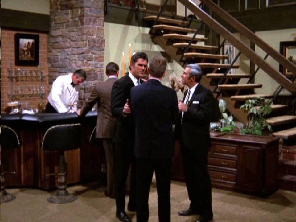Mannix set/Brady set. Image Source: YouTube/Movieclips