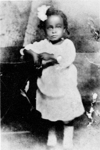 Billie Holiday as a toddler, restored photograph, 1917. | Source: Wikimedia Commons