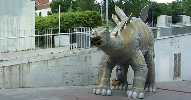 Body of Missing 39-Year-Old Man Found inside a Spanish Dinosaur Statue in a Barcelona Suburb