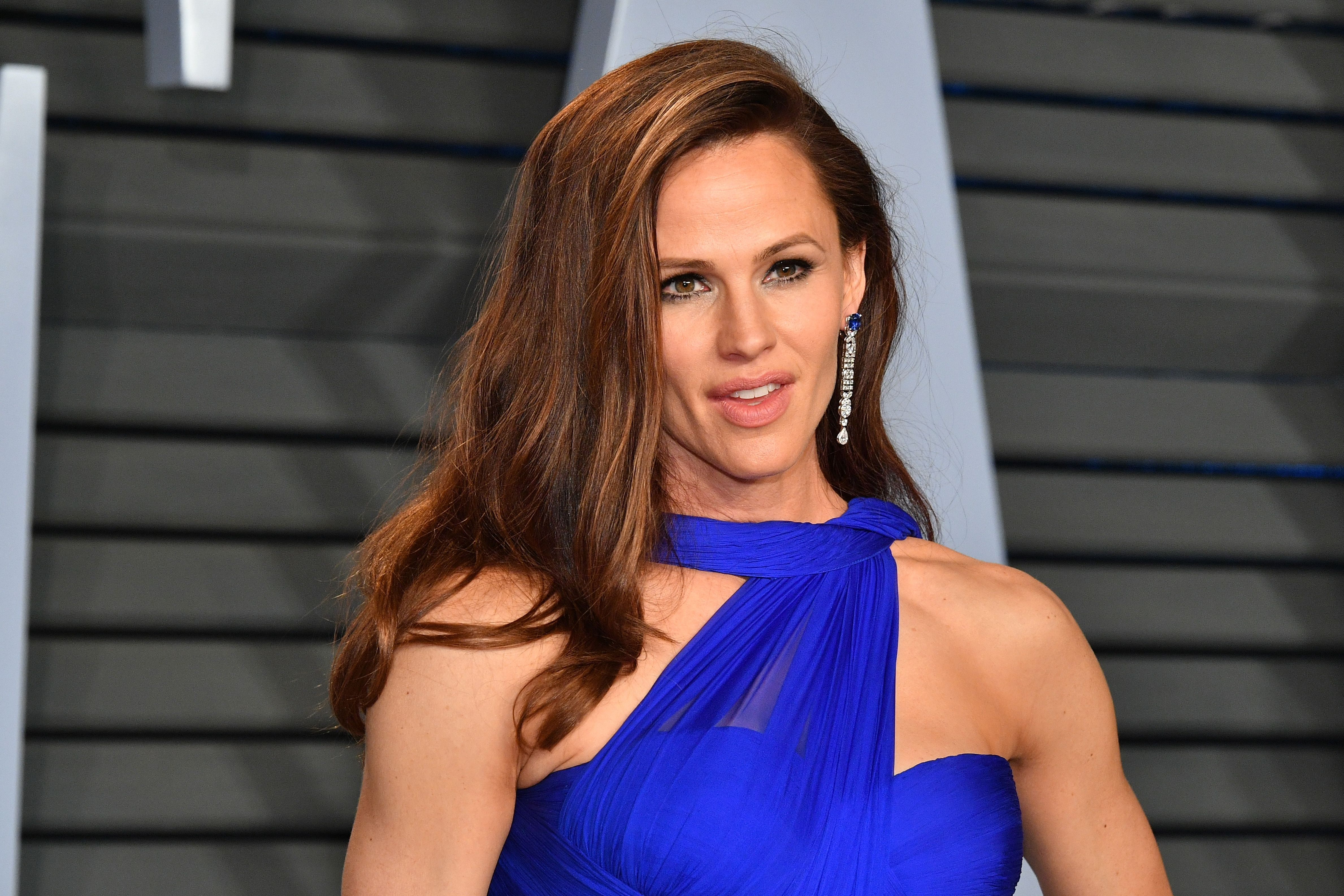 Jennifer Garner at the 2018 Vanity Fair Oscar Party hosted by Radhika Jones at Wallis Annenberg Center for the Performing Arts on March 4, 2018   Photo: Getty Images
