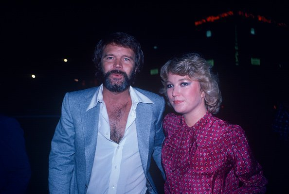 Tanya Tucker and Glenn Campbell out for a casual evening in New York in 1970. | Photo: Getty Images