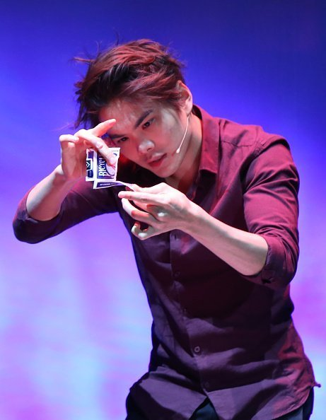 Shin Lim performing on stage in New York City | Photo: Getty Images