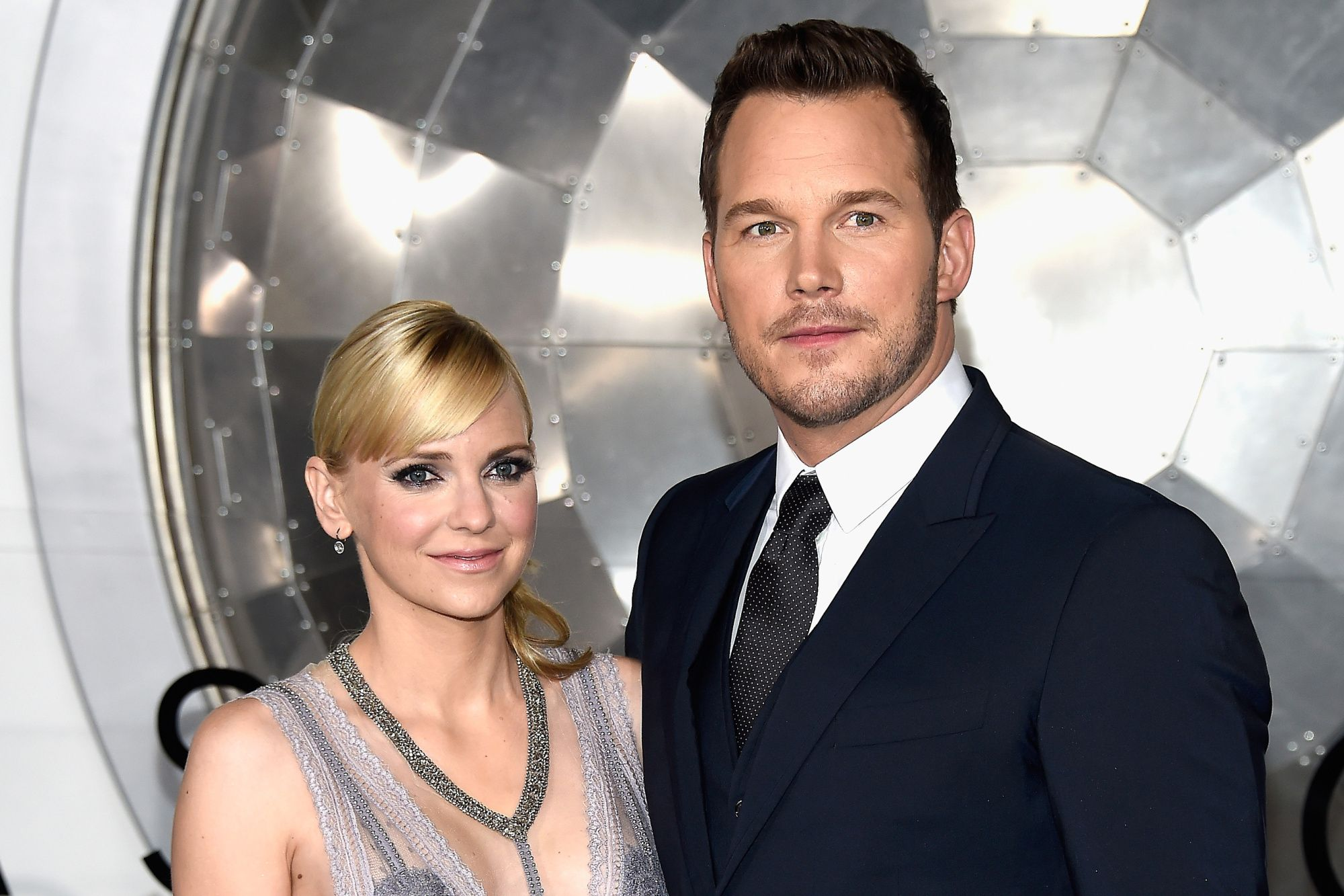 """Anna Faris and Chris Pratt at the premiere of """"Passengers"""" in 2016 in California   Source: Getty Images"""
