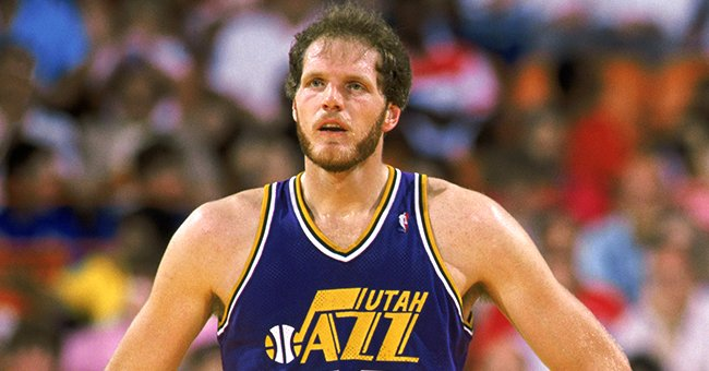 Mark Eaton playing for Utah Jazz during a 1989 game against the LA Lakers. Salt Lake City, Utah. | Photo: Getty Images