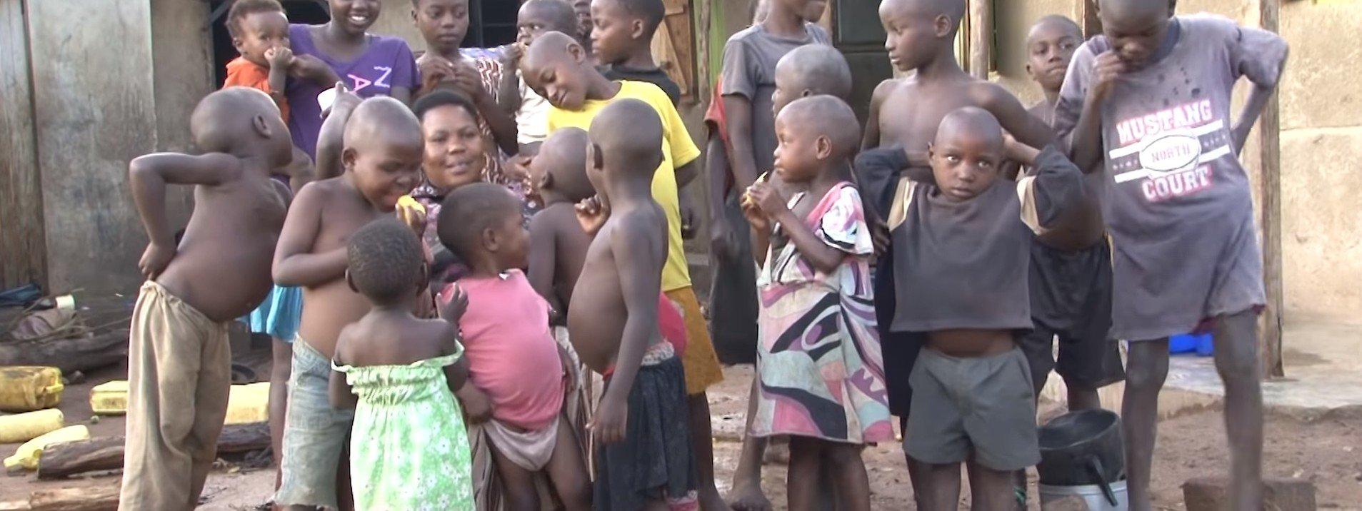 Les nombreux enfants de Mariam. l Source: YouTube/ Pulse Live Kenya