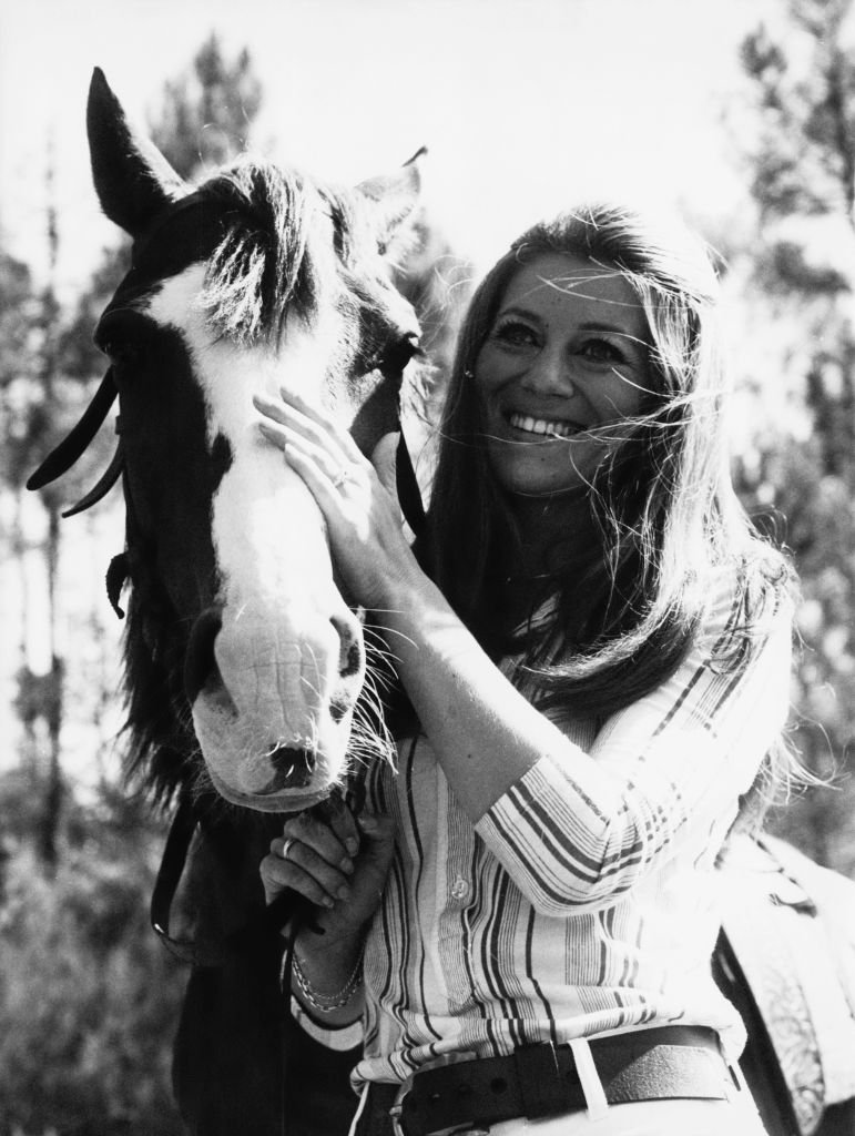 Sheila dans un ranch en 1970. l Source : Getty Images