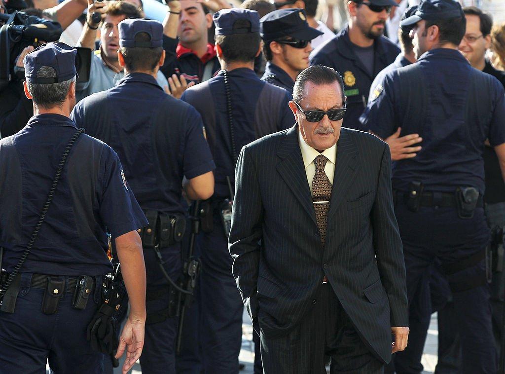 Ex alcalde de la ciudad turística de Marbella, Julián Muñoz, llegando a la corte de Málaga el 28 de septiembre de 2010 en Málaga, España. | Imagen: Getty Images