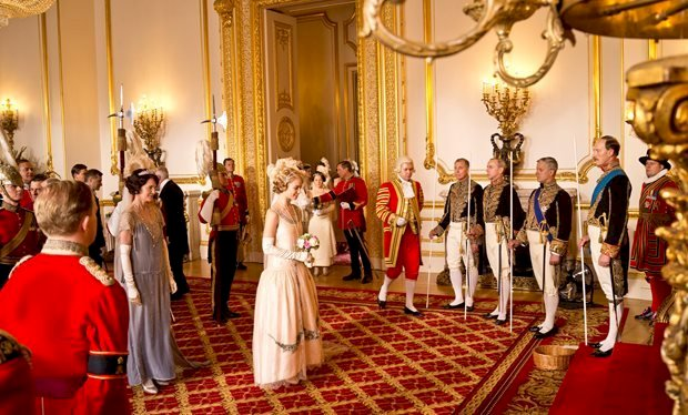 Image credit: Wikipedia/Buckingham Palace | Downton Abbey