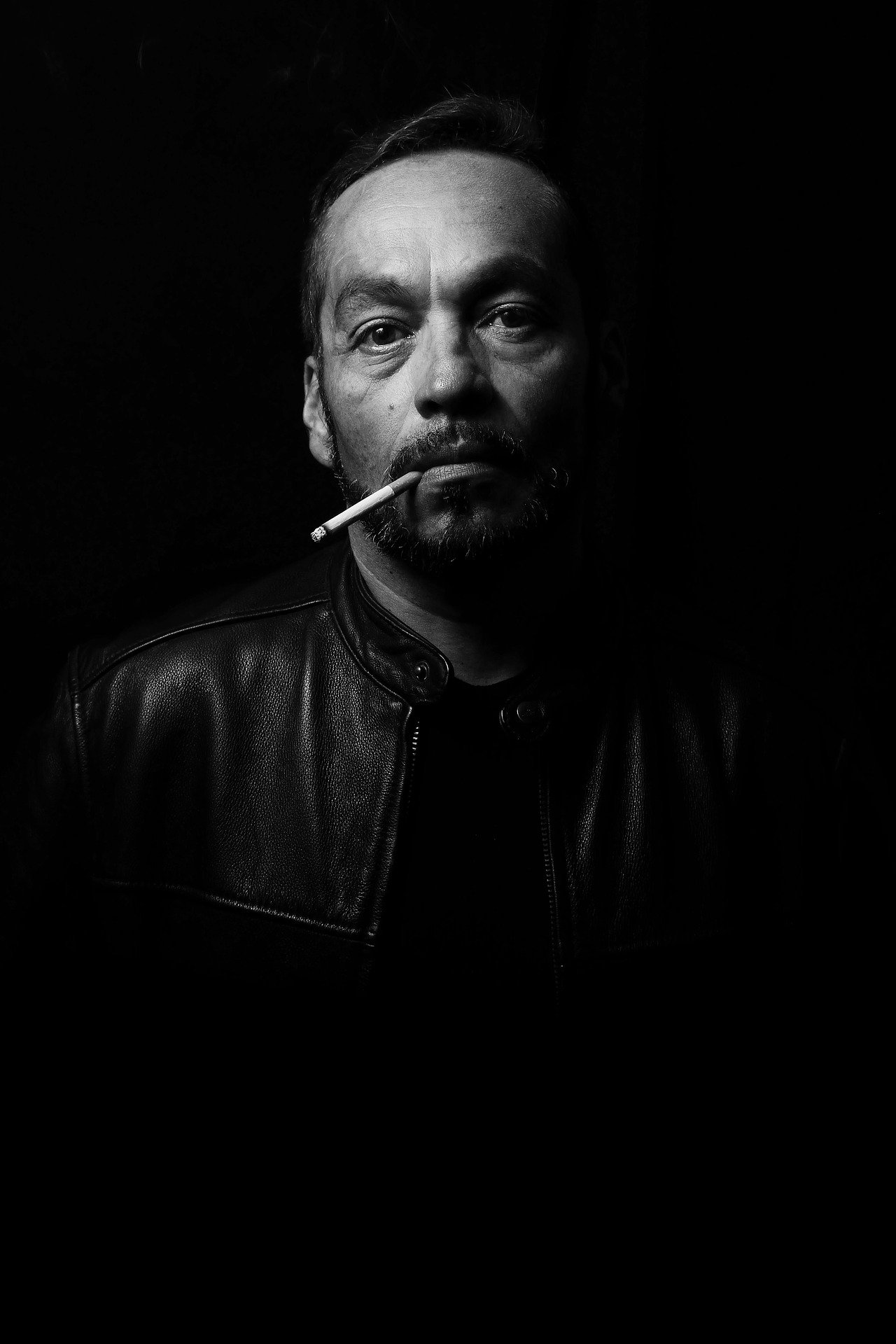 Hombre fumando | Foto: Pixabay