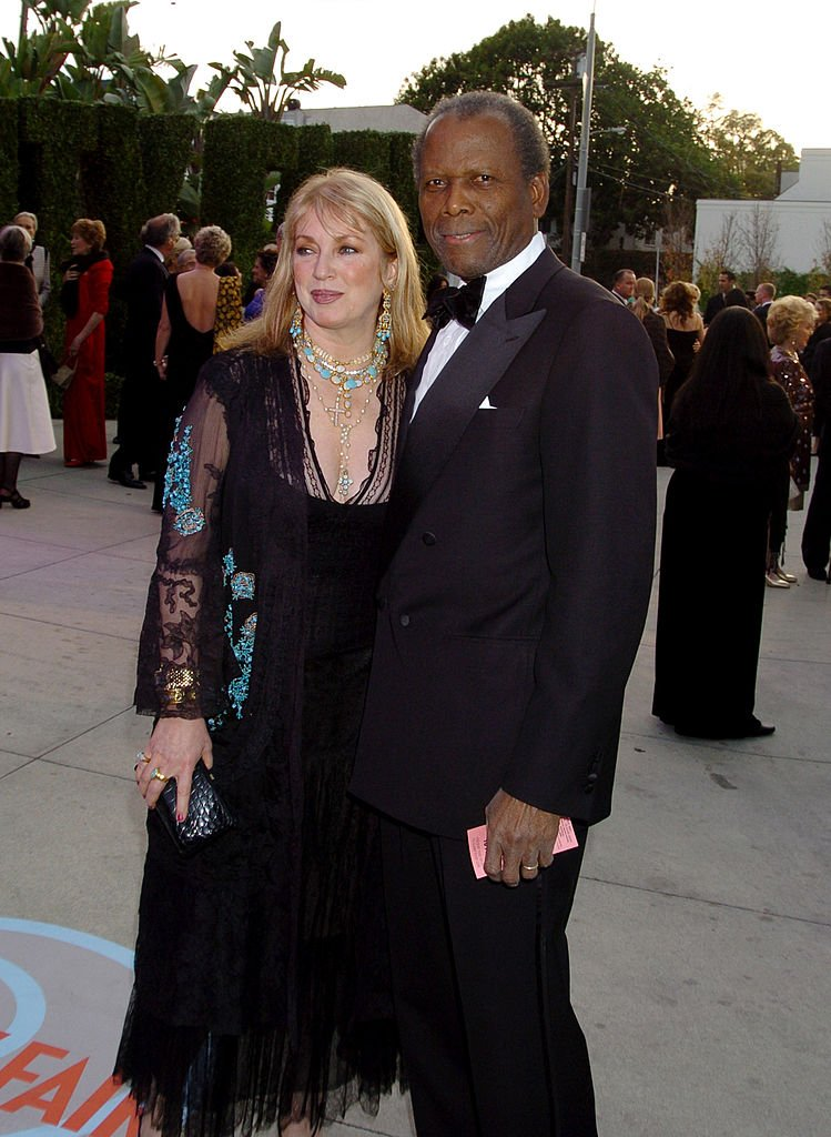 Joanna Shimkus and Sidney Poitier at Vanity Fair Oscar Party on February 29, 2004 | Photo: Getty Images