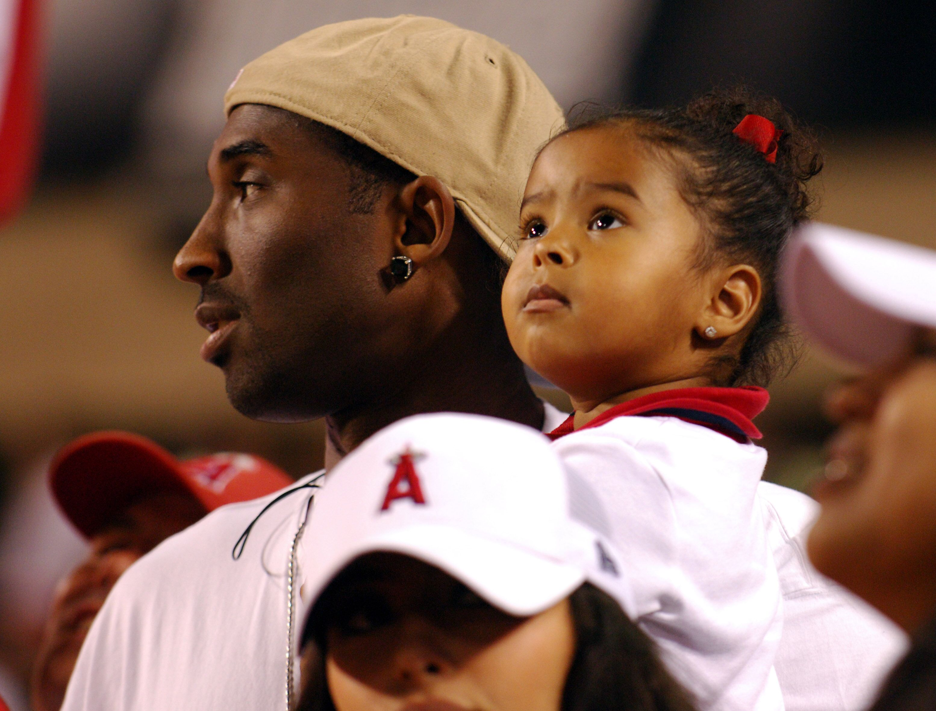 Kobe Bryant with daughter Natalia Diamante Bryant at Angel Stadium in California on Saturday, July 23, 2005. | Source: Getty Images