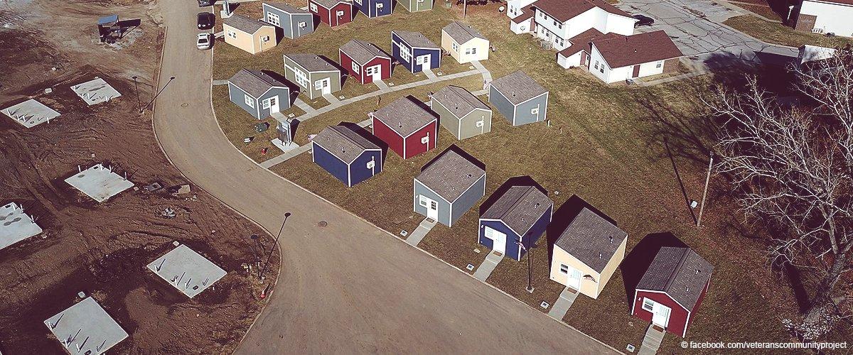 Kleine Häuser für obdachlose Veteranen verwandeln sich in eine inspirierende Kleinstadt