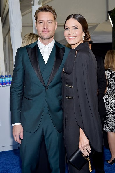 Justin Hartley and Mandy Moore at Barker Hangar on January 12, 2020 in Santa Monica, California. | Photo: Getty Images