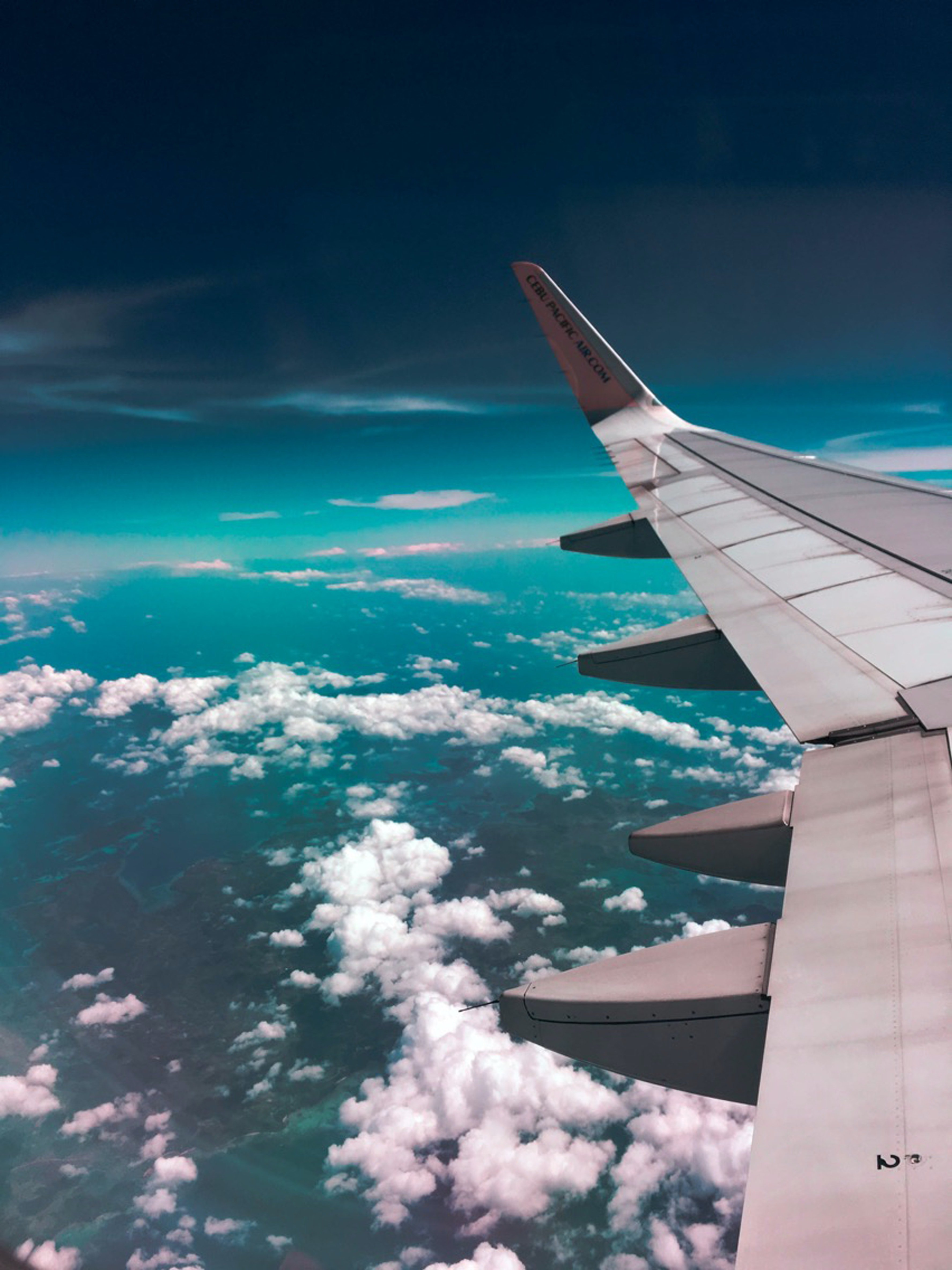 The airplane climbed too high and passed the pearly gates of heaven. | Photo: Pexels