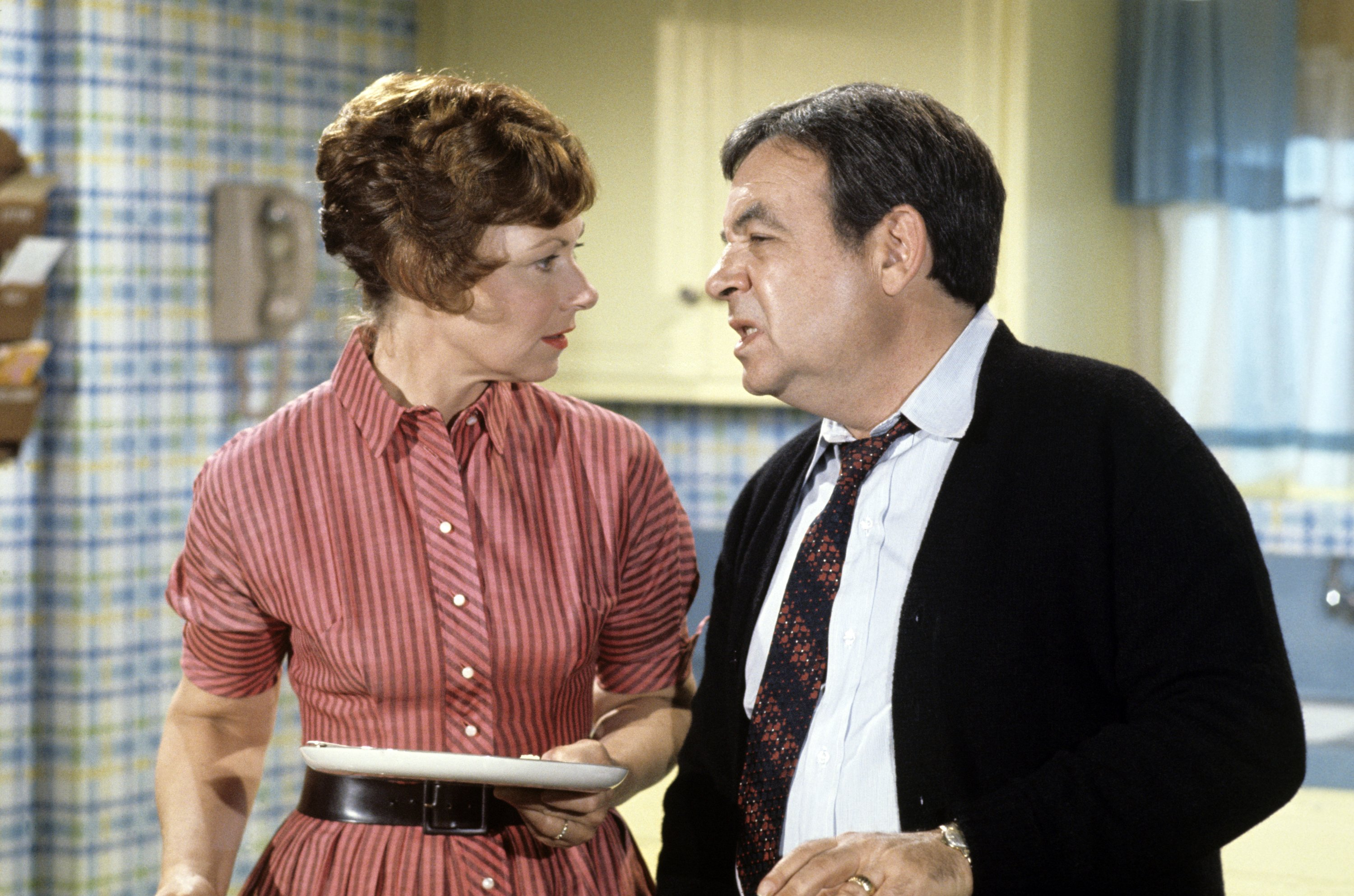 """Marion Ross (Marion), Tom Bosley (Howard) on """"Happy Days,""""  January 15, 1974. 