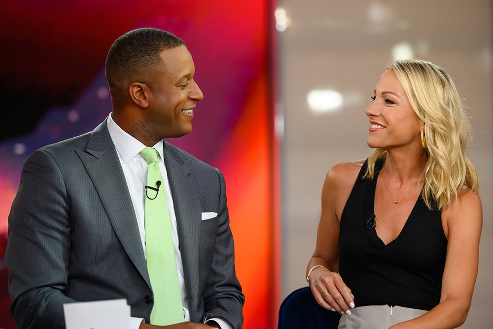 Craig Melvin and Lindsay Czarniak at NBC studios in August 2019. I Image: Getty Images.