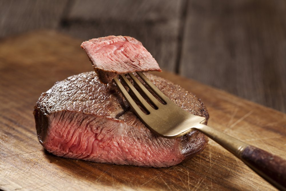 Steak de bœuf à cuisson moyenne. | Photo : Shutterstock
