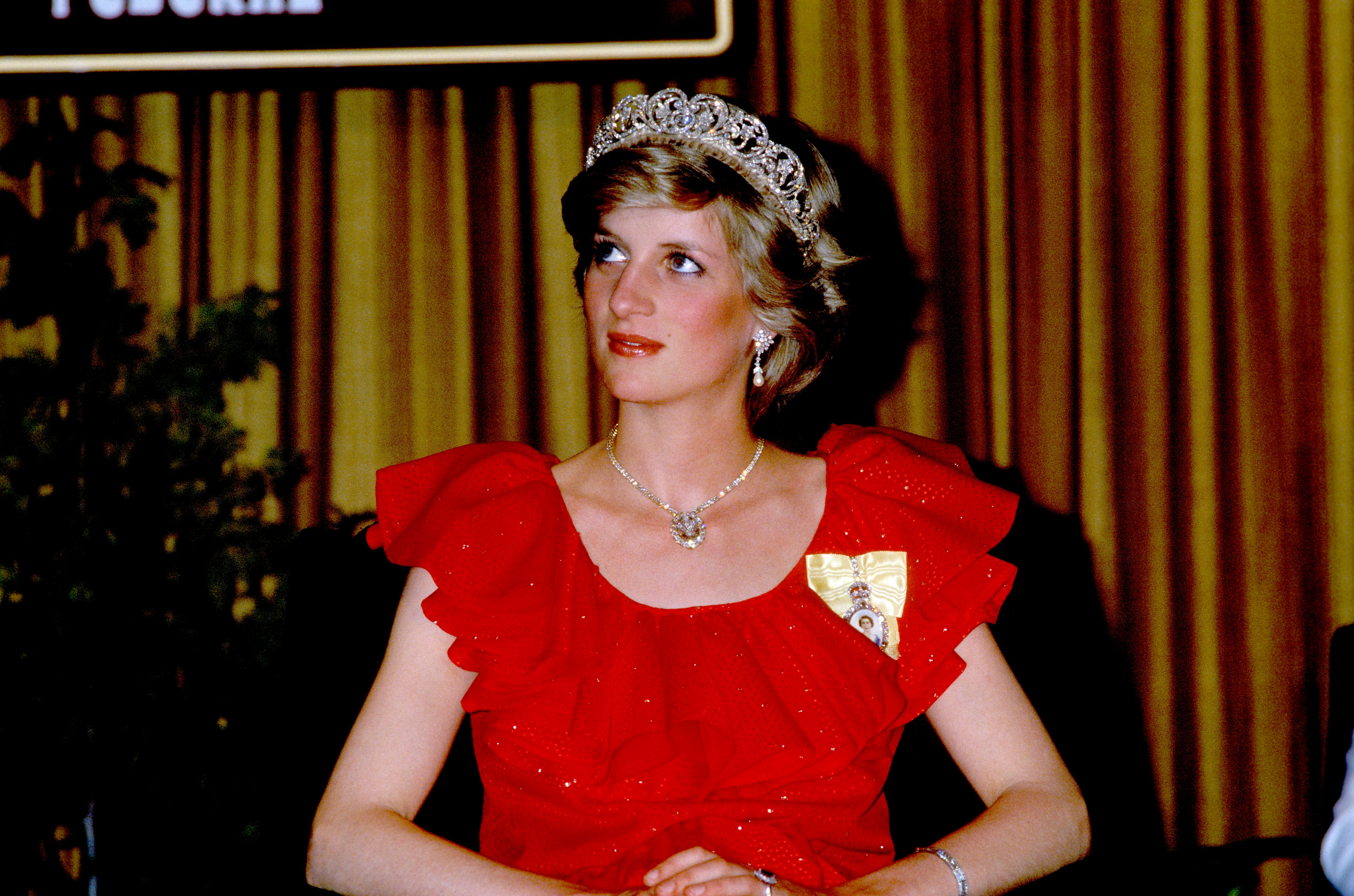 Princess Diana is wearing the Spencer family tiara and a dress by Bruce Oldfield on 30th March 1983   Photo: Getty Images