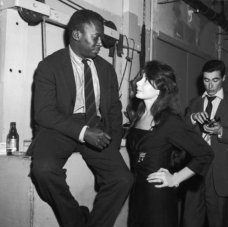 Juliette Greco and Miles Davis at the club Saint Germain In Paris, France In 1958. I Image: Getty Images.