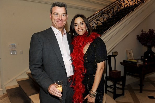 Tony Ressler and Jami Gertz attend The 25th Annual LACMA Collectors Committee Weekend - An Intimate Dinner at the Home of Ann Colgin and Joe Wender at Private Residence on April 16, 2010 in Los Angeles, California.| Photo: Getty Images