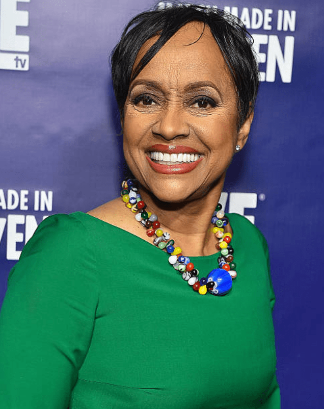 """Judge Glenda Hatchett arrives on the red carpet at the preview screening for """"Match Made in Heaven"""" on January 29, 2015, in Atlanta, Georgia   Photo: Getty Images"""