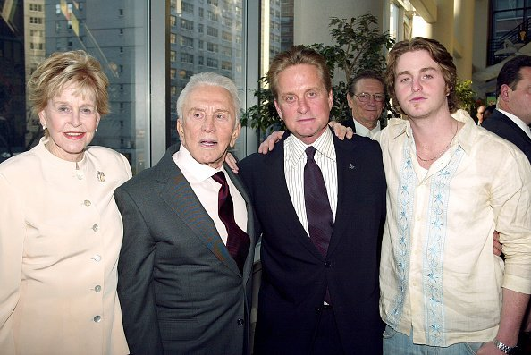 Diana Douglas, Kirk Douglas, Michael Douglas and Cameron Douglas at the Loews Lincoln Square Theater April 13, 2003 in New York City | Photo: Getty Images