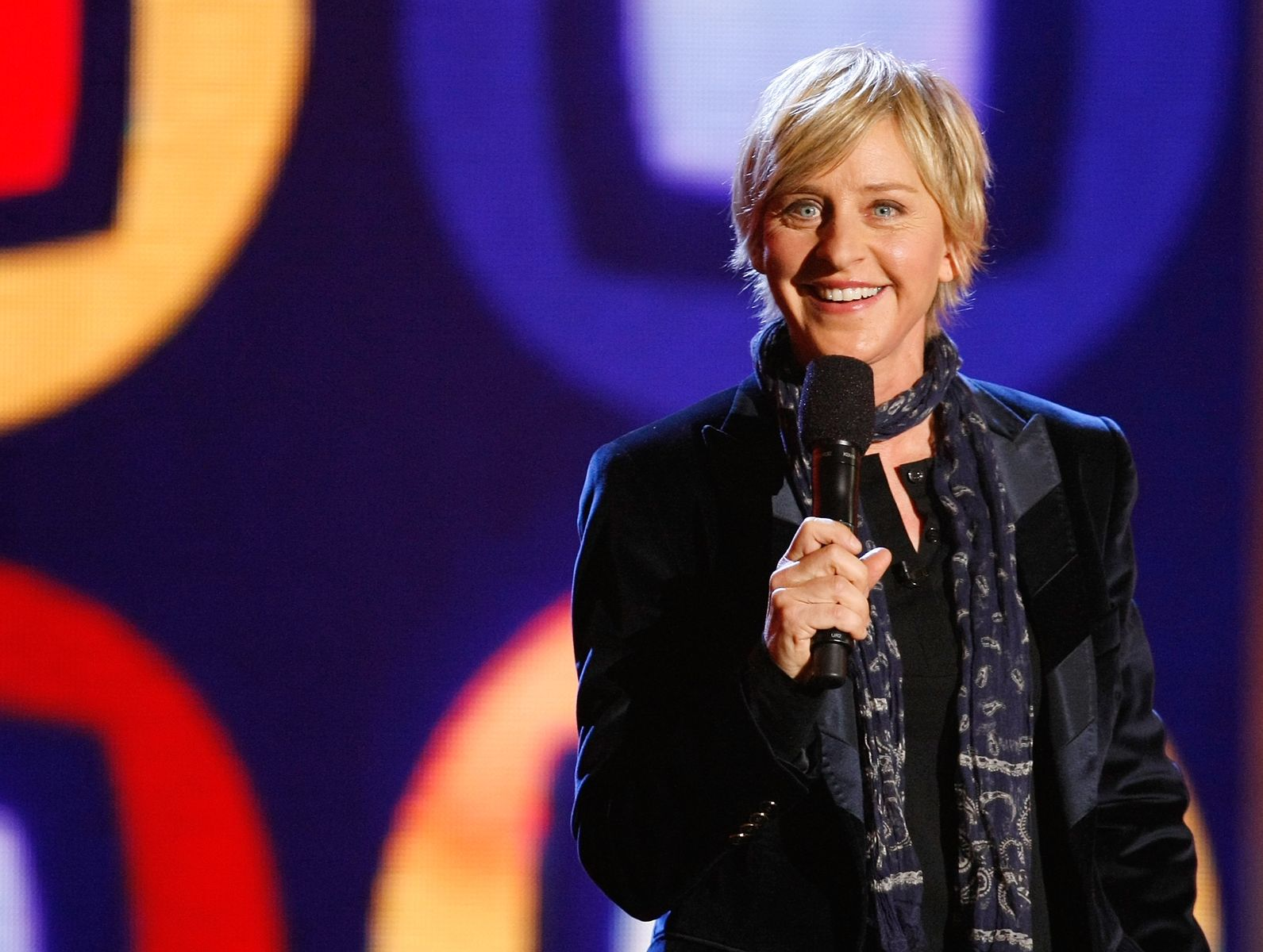 Ellen DeGeneres performs at a taping of ''Ellen's Even Bigger Really Big Show'' during The Comedy Festivalon November 20, 2008, in Las Vegas, Nevada | Photo:Ethan Miller/Getty Images