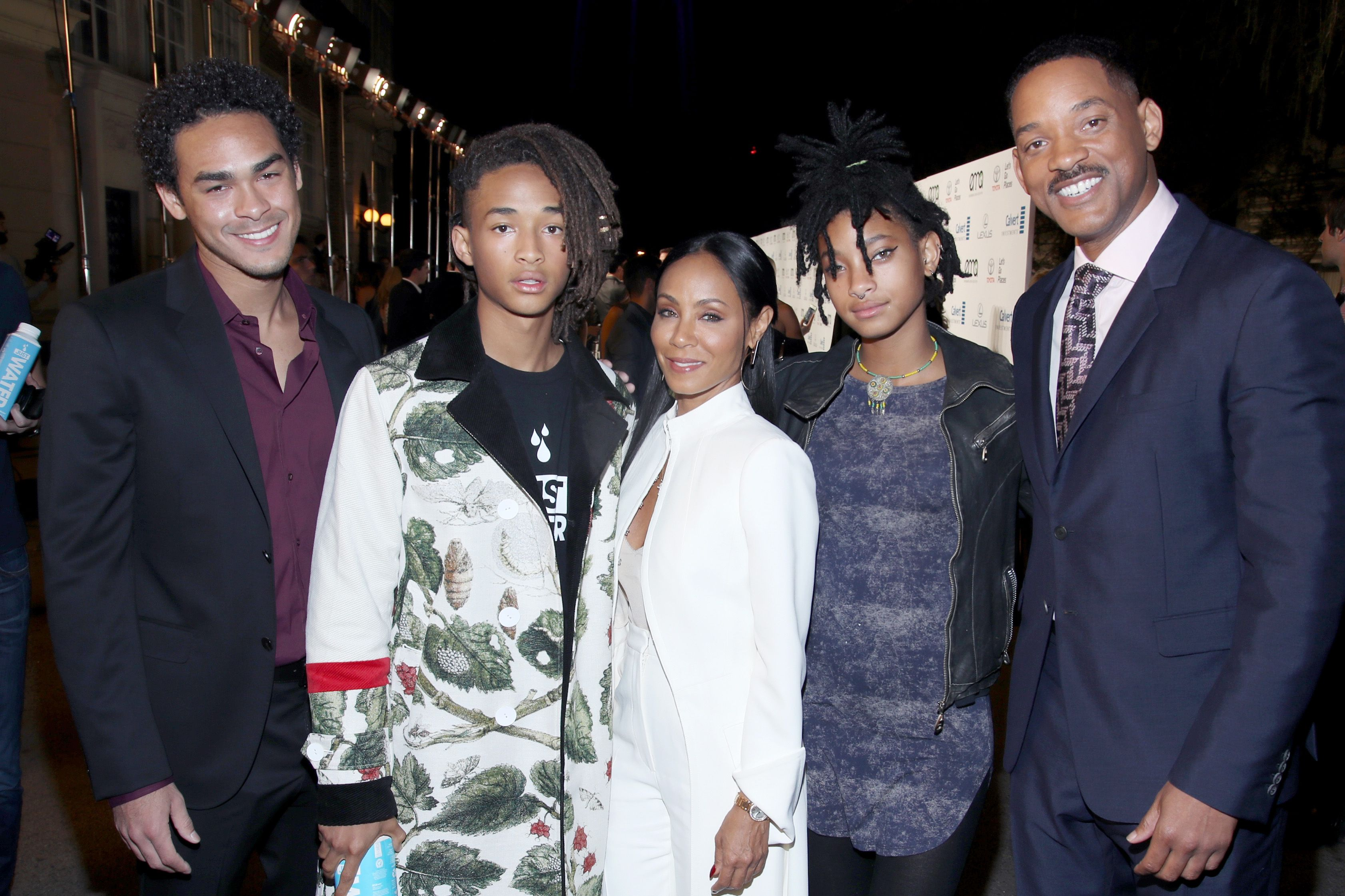 Trey Smith and Jaden Smith and Jada Pinkett Smith, singer Willow Smith and actor Will Smith attend the Environmental Media Association 26th Annual EMA Awards,2016| Photo: Getty Images