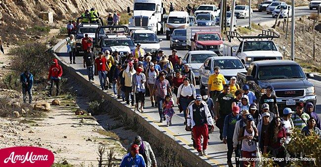 Migrantes instan a Donald Trump a que los deje entrar o pague $50.000 a cada uno para regresar