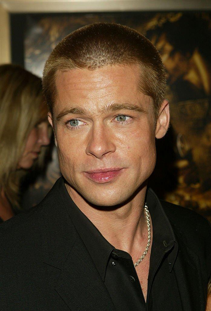 """Brad Pitt pour la première de """"Troie"""" en 2004. l Source : Getty Images"""