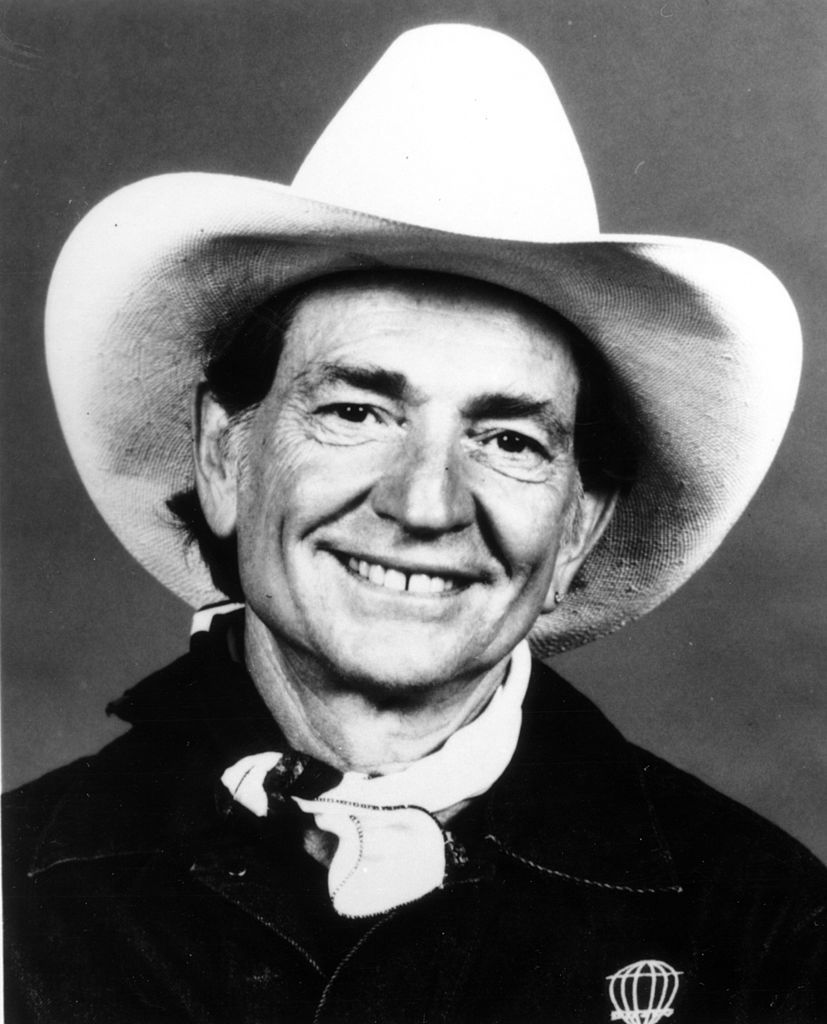 Willie Nelson poses for a portrait wearing a cowboy hat in circa 1973. | Source: Getty Images