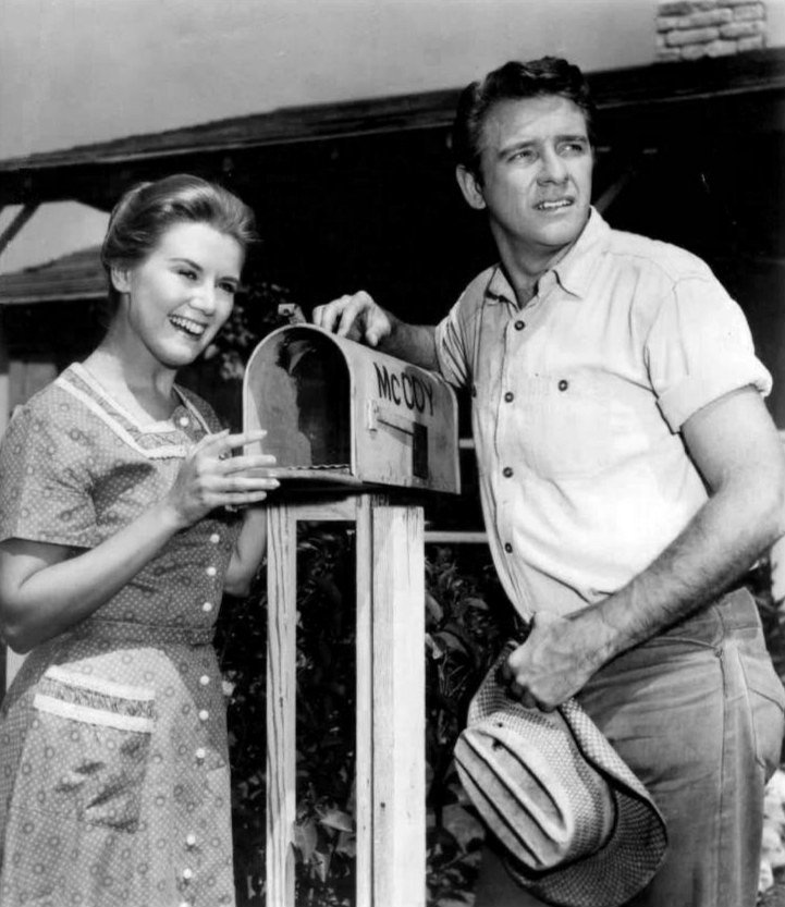 "Kathleen Nolan and Richard Crenna from the television program ""The Real McCoys"" in 1960 